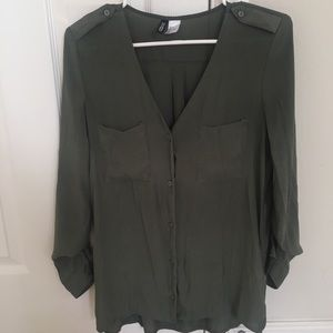 Divided size 4 top